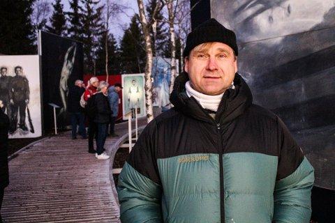Vebjørn Sand (54)  har solgt unna alt han eier, jobbet mer enn noensinne og brukt alle pengene sine på Roseslottet.