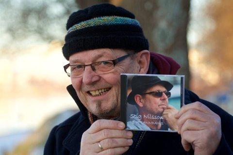 """Stig Westeraas Nilsson markerer sitt 50 års jubileum som artist med plata """"Løvetanndans""""."""