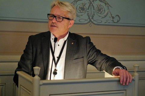 Tar ikke pause fra bystyret: Bjørnar Laabak, Frps gruppeleder, skal møte i bystyret, selv om han nå blir heltidspolitiker på Stortinget frem til 8. juni. (Arkivfoto: Øivind Lågbu)