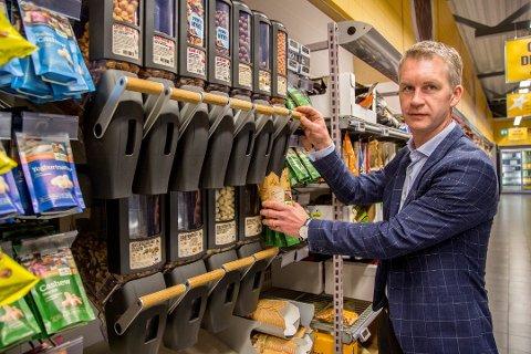 TIL DANMARK: Nå satser Brynild-direktør Anders Brynildsen på at produktene fra Den Lille Nøttefabrikken vil gjøre det bra i Danmark.