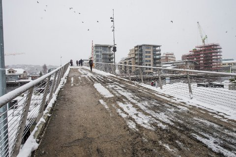 SNART SNØ IGJEN: Snart laver det en blanding av snø og sludd over Fredrikstad igjen. Siden det stort sett blir minusgrader denne uka, tipper meteorologen at nedbøren kan bli liggende.