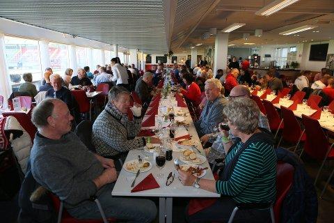 KUN HER: Inntil nå er det kun i restauranten og i losjene det har vært lov å nyte alkohol på Fredrikstad Stadion.
