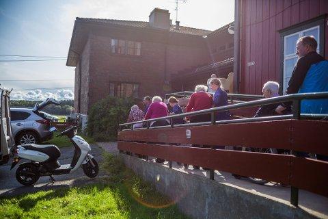 Laabak reagerer på at det politiske flertallet ikke vil gjenåpne Emil Mørchs Minne, når et stort antall eldre venter på sykehjemsplass. Bildet er tatt i november i fjor, under utflyttingen av sykehjemmet.
