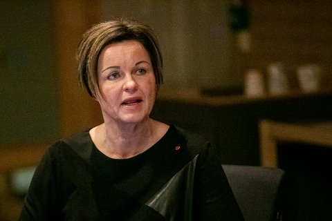SÅ SNART SOM MULIG: Mens kommunedirektør Nina Tangnæs Grønvold før jul sa de ønsker å finne minnelige løsninger etter «Helenes» varsling, opplyser de nå at de vil avgjøre saken så snart det er mulig - uten å kunne si om det tar uker eller måneder.