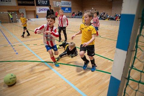 Barn og unge under 20 år kan fra onsdag denne uken trene som vanlig igjen, både inne og ute. Bildet er fra Torvbyen Cup 2020.