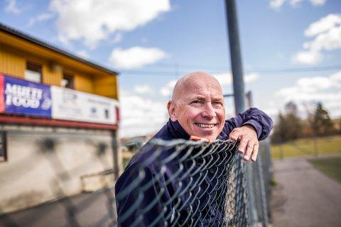 """ÆRESMEDLEM HOS JUBILANTEN: Trond """"Kurte"""" Andreassen har og har hatt mange roller for Rolvsøy IF - klubben som fyller 100 år i disse dager."""