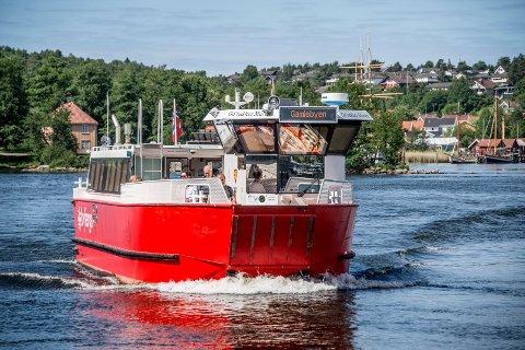 Fra midnatt er det anbefalt å bruke munnbind på ferger og buss i Fredrikstad og Hvaler.