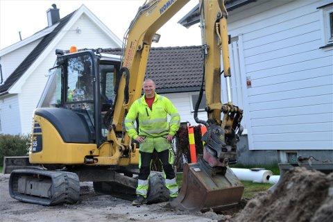Lenge i dagliglivet: Raymond Kvisvik har i lang tid sittet bak spakene i gravemaskinen, men merker nå kjøret etter at han forlot «Kompani Lauritzen»
