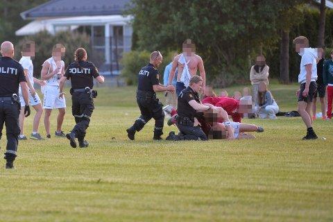 """Det gikk hardt for seg da russen spilte """"kjøttkamp"""" fredag kveld. Politiet anså at dette ikke var innafor - og stoppet kampen."""