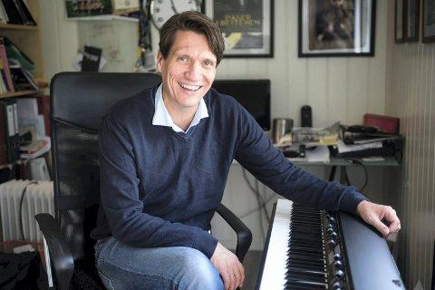 """Bjørn Halstensen er ansvarlig for julearrangementene på City Scene og har solgt nesten 400 billetter til juleshowet """"City X-mas Party"""""""