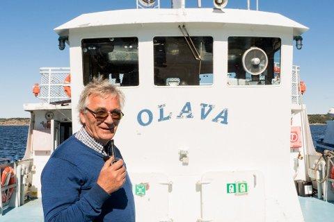 GAMLE RÅD: Fergene til de østre øyene på Hvaler fylles ikke helt opp om dagen. De følger de gamle koronarådene, og jobber heller mer ved å tilby flere ferger og flere avganger, forteller Peter Parmer, som er fergefører.