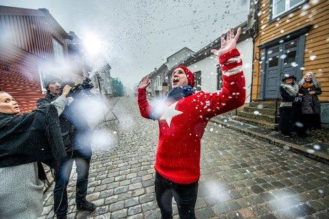 STOR INVESTERING: Øistein Kristiansen skapte skikkelig julestemning da julekalenderen til NRK Super ble spilt inn i Gamlebyen i fjor.