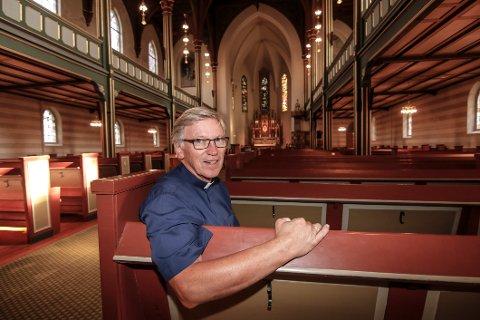 Merkedag. Søndag 23. august tar sogneprest Jon Albert Ihlebæk farvel med menigheten i Domkirken.