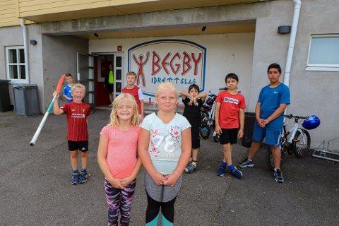 TRADISJON: For sjette året på rad arrangeres Barnas aktivitetsdag. Til vanlig bruker den å være på Kongsten, med over 3000 barn tilstede. I år ble det en mer koronavennlig variant på Begby Stadion.
