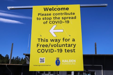 Grensependlere bes nå om ikke å kjøre inn i køen til Svinesund testsenter, men bare kjøre videre.