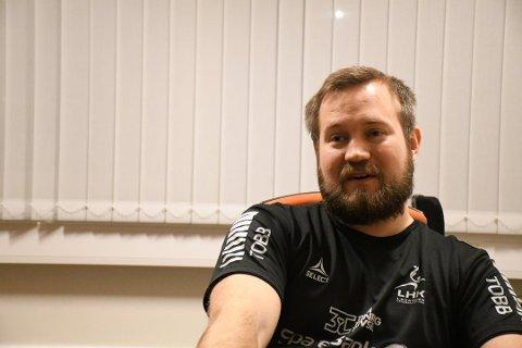 LHK-trener Thomas Engen inviterte iLevanger inn på kontoret sitt for å fortelle at han gir seg som hovedtrener i Levanger når sesongen er over.