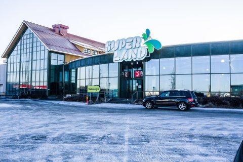 HALVERTE INNTEKTER: Det velkjente hotellet langs E6 på Grålum fikk langt mindre inntekter  i 2020 sammenlignet med året før.