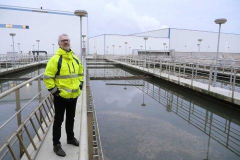 Både lørdag og søndag rant det  store mengder vann og kloakk rett i Glomma, forteller direktør Fredrik Hellstrøm ved Frevar. Foto: Øivind Lågbu