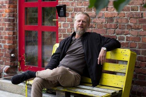 Rune Østhagen eier og driver Hoi Polloi, men er også kunster og musiker.