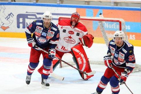 Filip Gunarsson (til venstre) har gjennom ni sesonger hatt mange dueller mot Stjernen. Kommende sesong kan han være på plass i Fredrikstad-klubben.