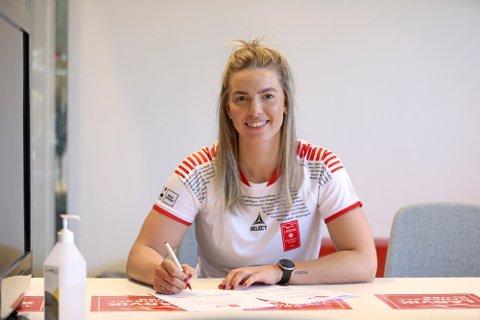 Dorthe Groa har skrevet under en treårskontrakt med Larvik.