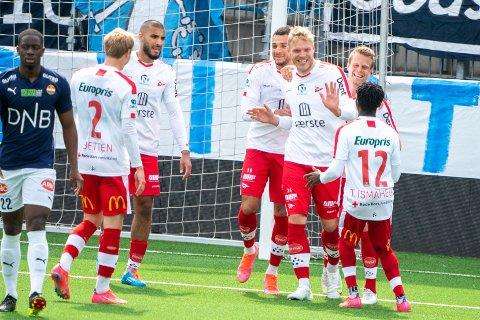 Scoret: Mads Nilsen jubler etter å ha satt inn 2-0.