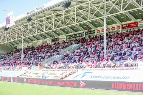 De 600 tilskuerne som var til stede mot Jerv i forrige hjemmekamp storkoste seg på tribunen. Mot HamKam kan det bli enda flere supportere å se.