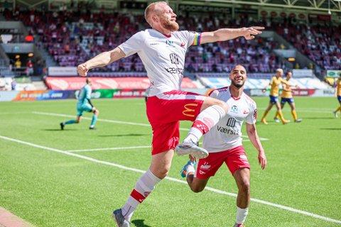Henrik Kjelsrud Johansen og FFK er serieledere etter fire serieomganger. FFK-kapteinen scoret lagets første mål mot Jerv søndag.