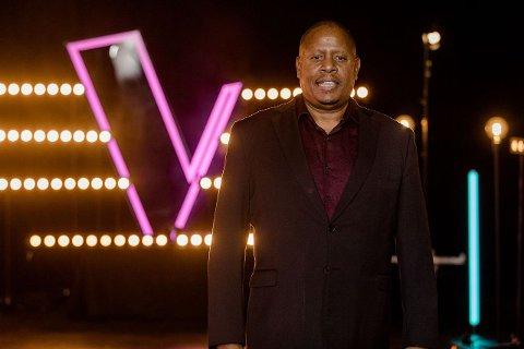 Byron Williams skal i kveld synge i sin første direktesending.