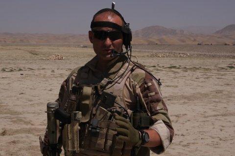 Kristian Simonsen har ledet han soldater i strid i Afghanistan. Han har også tjenestegjort i Bosnia, Kosovo og Libanon, samt ved Natos treningssenter i Georgia.