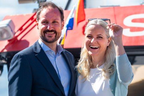 Kronprins Haakon og kronprinsesse Mette-Marit kommer til Fredrikstad i slutten av september. Foto: Terje Pedersen / NTB