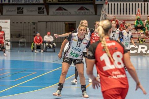Isabelle Gulldén er hentet inn som Vipers playmaker, men fikk mye å gjøre mot et ungt FBK som lenge ga dem tøfff kamp.
