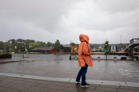 Stålsett deg for regn og vind de neste dagene. MEN, karrer du deg gjennom gråværet venter en ukeavslutningen som ikke blir så «hakkanes gæærn».
