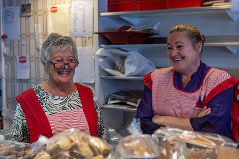 ODDS: Else Johansen og datter Jeanette Resberg har jobbet i familiebedriften i en årrekke.