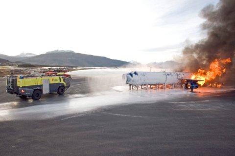 Fagskolen for utdanning av brann- og redningspersonell legges til Norges Brannskole i Tjeldsund.
