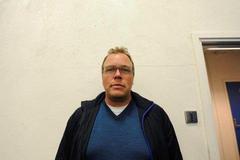 Henric Dahlstrøm er ikke sportslig leder i Narvik Ishockeyklubb mer.