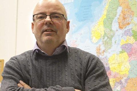 Stig Winther forteller at det jobbes for å få flyfrakt med fisk til og fra Evenes - uansett.