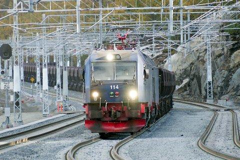 100 MILLIONER KRONER: I Fremskrittspartiets alternative statsbudsjett er det penger til både kryssingspor på Narvik stasjon og til ekstra kapasitet på Narvikterminalen.