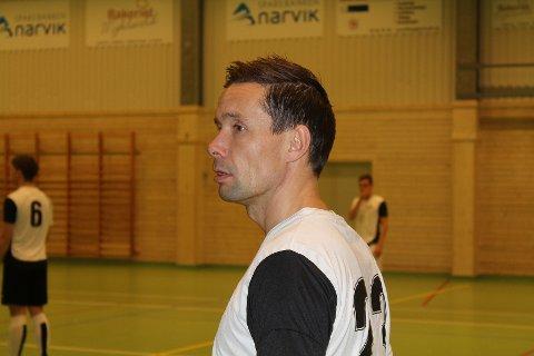 Raymond Johnsen og Nordpolen kjemper for å overleve i eliteserien i futsal. Søndag avgjøres det hele.