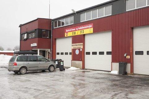 På hotell: Personellet tilknyttet ambulansestasjonen blir innkvartert på hotell på grunn av tilstanden til lokalene.Foto: Ragnar Bøifot