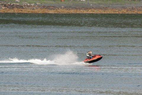 FARTSGRENSE: Fra 15. mai trer nye regler for fartsgrenser på havet i kraft.