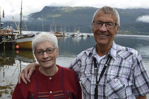 VETERANER: Randi Johnsen og Trygve Sørensen kan se tilbake på til sammen 42 år med dugnadsjobbing for Gratangens største kulturarrangement som Foldvikmarkedet er. Alle foto: Harold Jenssen