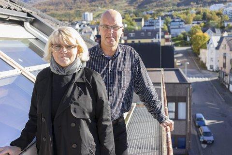 Får støtte: Hilde Normark og Kjetil Moe i Narvikregionen Næringsforening. Foto: Andreas Haakonsen
