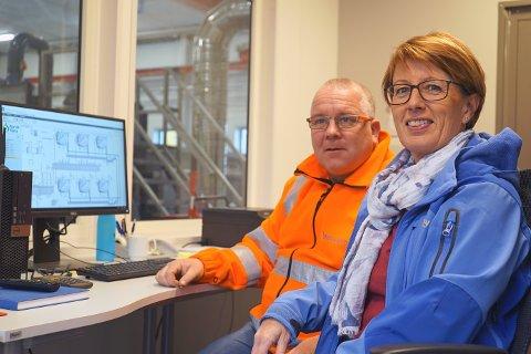 VELDIG FORNØYD: Både driftsoperatør Jack Nilsen og leder for plan og utvikling Åse Soleng i Narvik Vann er fornøyde med det nye renseanlegget. Alle foto: Odd-Georg H. Benjaminsen.