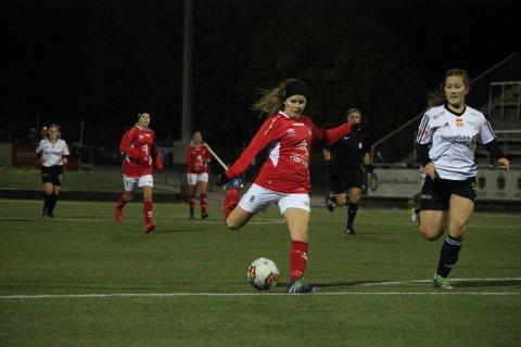 Var god: Anniken Hansen Malme var toneangivende i seieren mot Sortland. Angrepsspilleren fant veien til nettmaskene ved to anledninger.