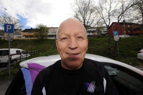 Finn Magne Simonsen brenner for storhall for fotball, friidrett og kanskje turn, i regionen. Foto: Kolsvik