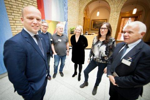 Trygve Slagsvold Vedum (Sp) møtte representanter fra Andøya, som hadde reist til Oslo for å være til stede da representantforslaget om en ny vurdering av Andøya flystasjon ble lagt fram for Stortinget i november 2017.