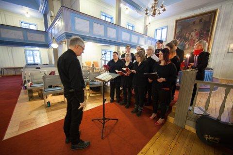 Evenes kirke Julemaraton Skånland sangkor eEvenes barnegospel salmemaraton