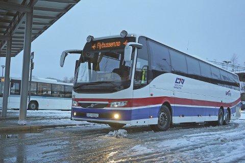 MÅ GÅ NÅR DET GÅR FLY: Det er det enkle kravet som stilles til Flybussen. Foto: Odd-Georg H. Benjaminsen