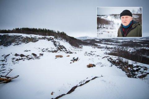 Grunneier Viggo Berg har skrevet under en langsiktig leieavtale med Nord Vei & Anlegg AS, som skal etablere et asfaltverk i steinbruddet like ved flyplassen.